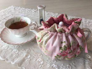 キュートな薔薇のつぼみ型ティーコージー ¥2,800